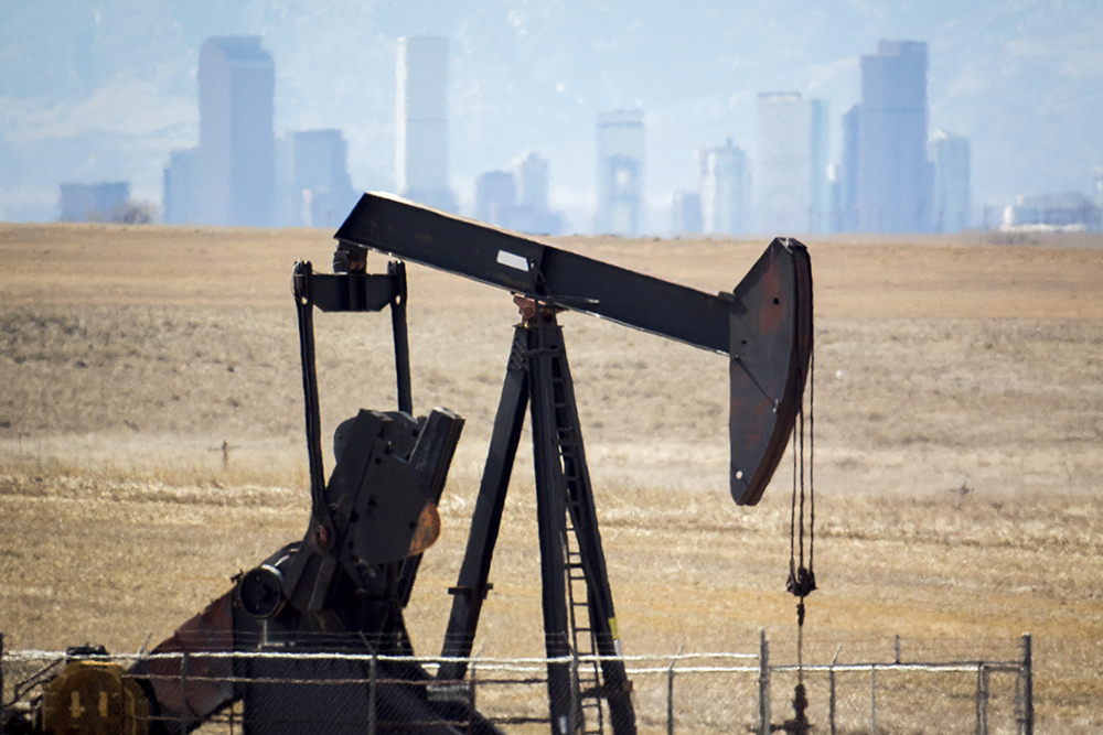 An oil rig in Commerce City, March 9, 2018. (Kevin J. Beaty/Denverite)