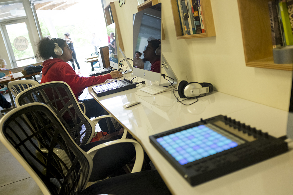 Levi Vigil makes a beat in Youth on Record's new digital music production lab in their Lincoln Park headquarters, May 23, 2018. (Kevin J. Beaty/Denverite)  denver; colorado; denverite; kevinjbeaty; youth on record; music; mariposa; lincoln park;