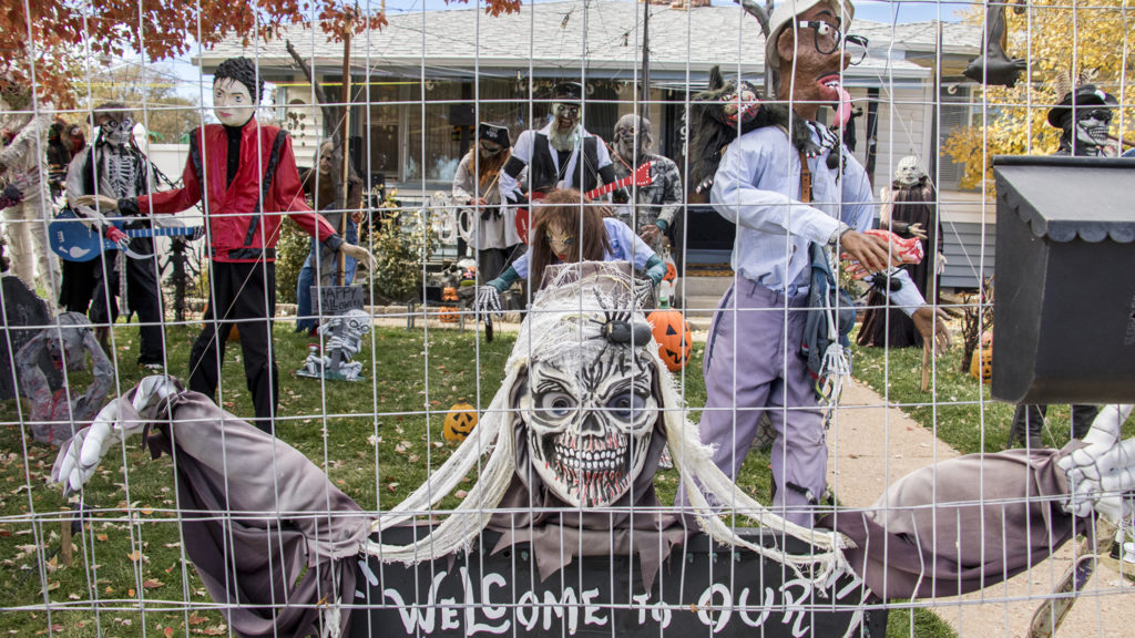 Homemade ghouls in front of Johnny Lee Sandoval's Mar Lee home, Oct. 27, 2018. (Kevin J. Beaty/Denverite)