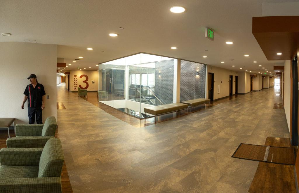 Wide hallways inside the Sanderson Apartments, Mar Lee, April 22, 2019. (Kevin J. Beaty/Denverite)