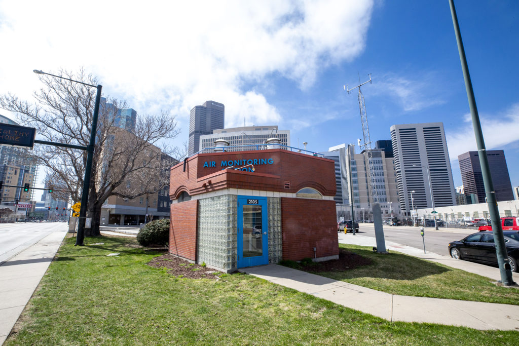 The CAMP air quality monitoring station on Broadway. March 26, 2020. (Kevin J. Beaty/Denverite)