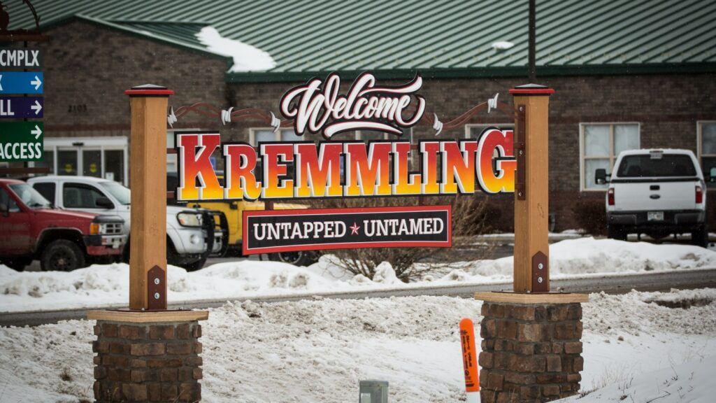 The sign welcoming you to the Grand County town of Kremmling.